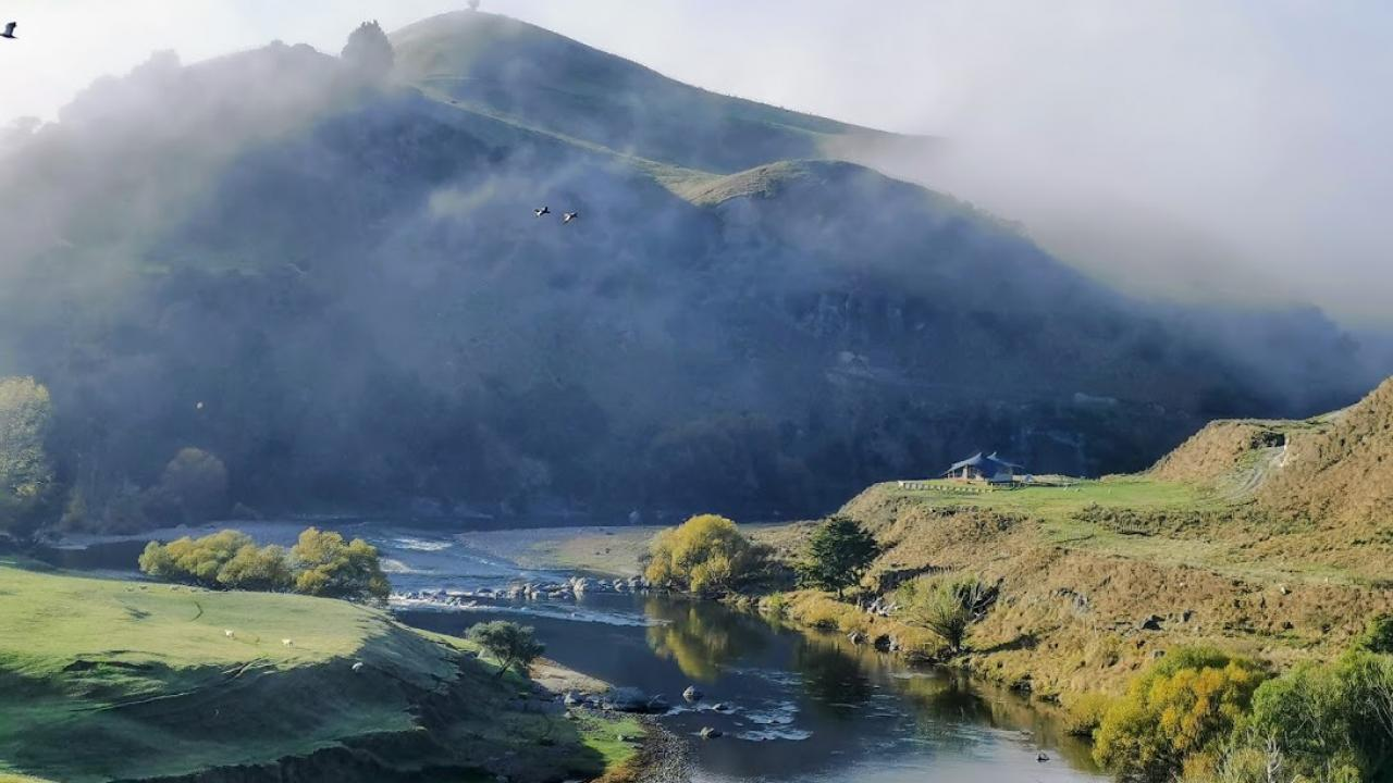 Luxury camping on the banks of the Whanganui River