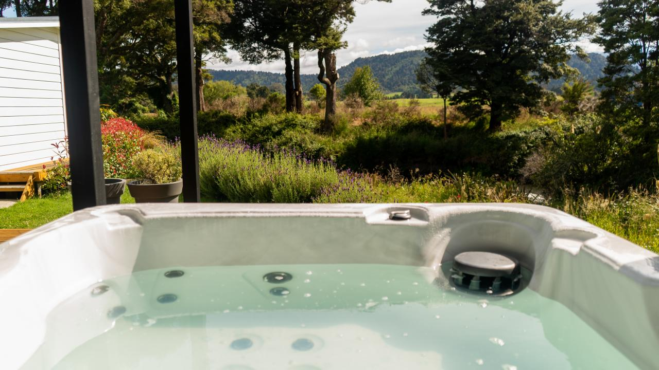 View from the private spa available with our Rua Awa cabin.