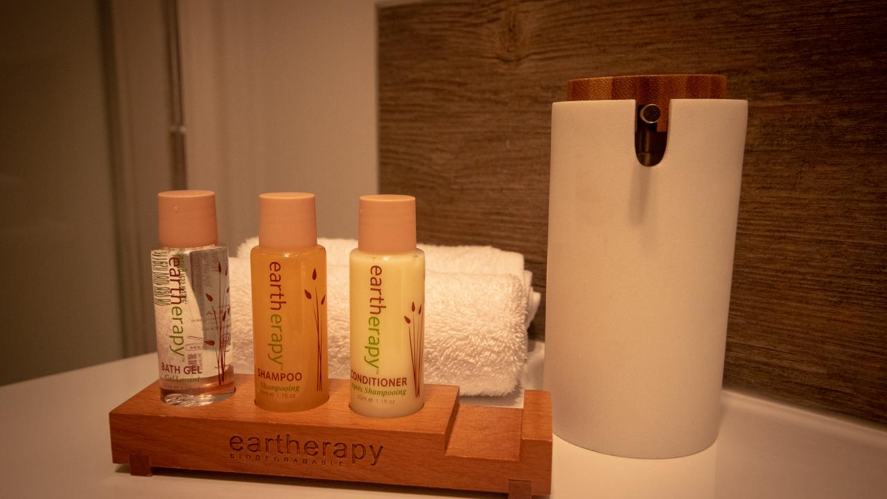 Complimentary toiletries in all rooms.