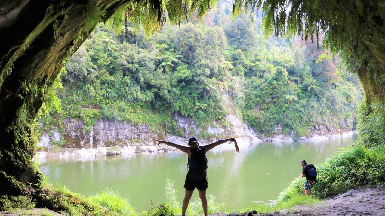 Tamateas Cave - Whanganui River