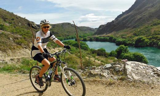 Bike the Queenstown Lakes Trail - PureTrails NZ