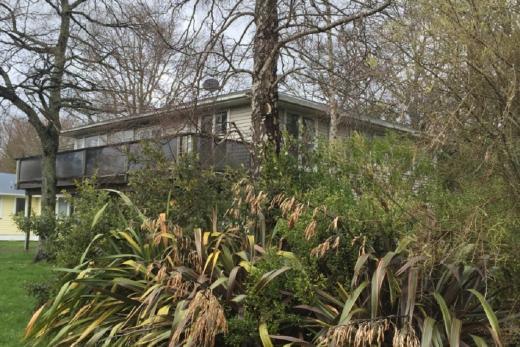 Twin Oaks Lodge, Ohakune 5 Bedrooms, sleeps 9+