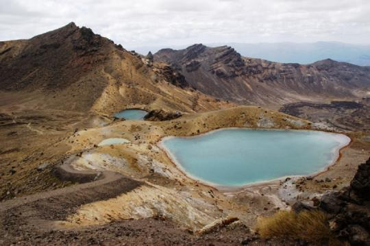 The Tongariro Northern Circuit takes in the highlights of the Tongariro Alpine Crossing.
