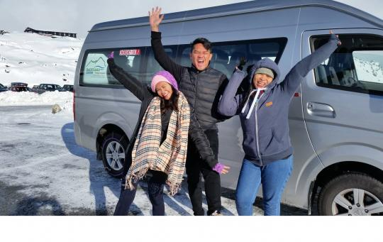 Winter van tour with clients