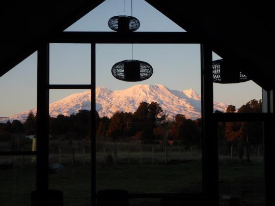 Tongariro at Makotuu Bed and Breakfast
